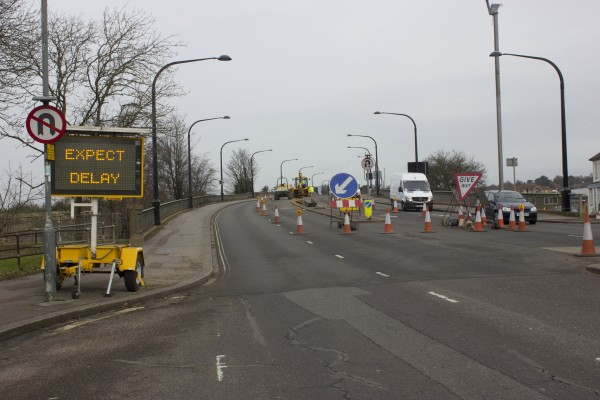 The works at the Northam Bridge would last at least until May -20 weeks-. ALBA ASENJO.