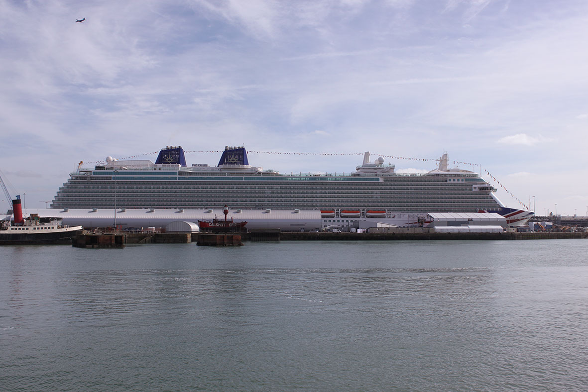 Her Majesty the Queen names new P&O Cruise ship Britannia