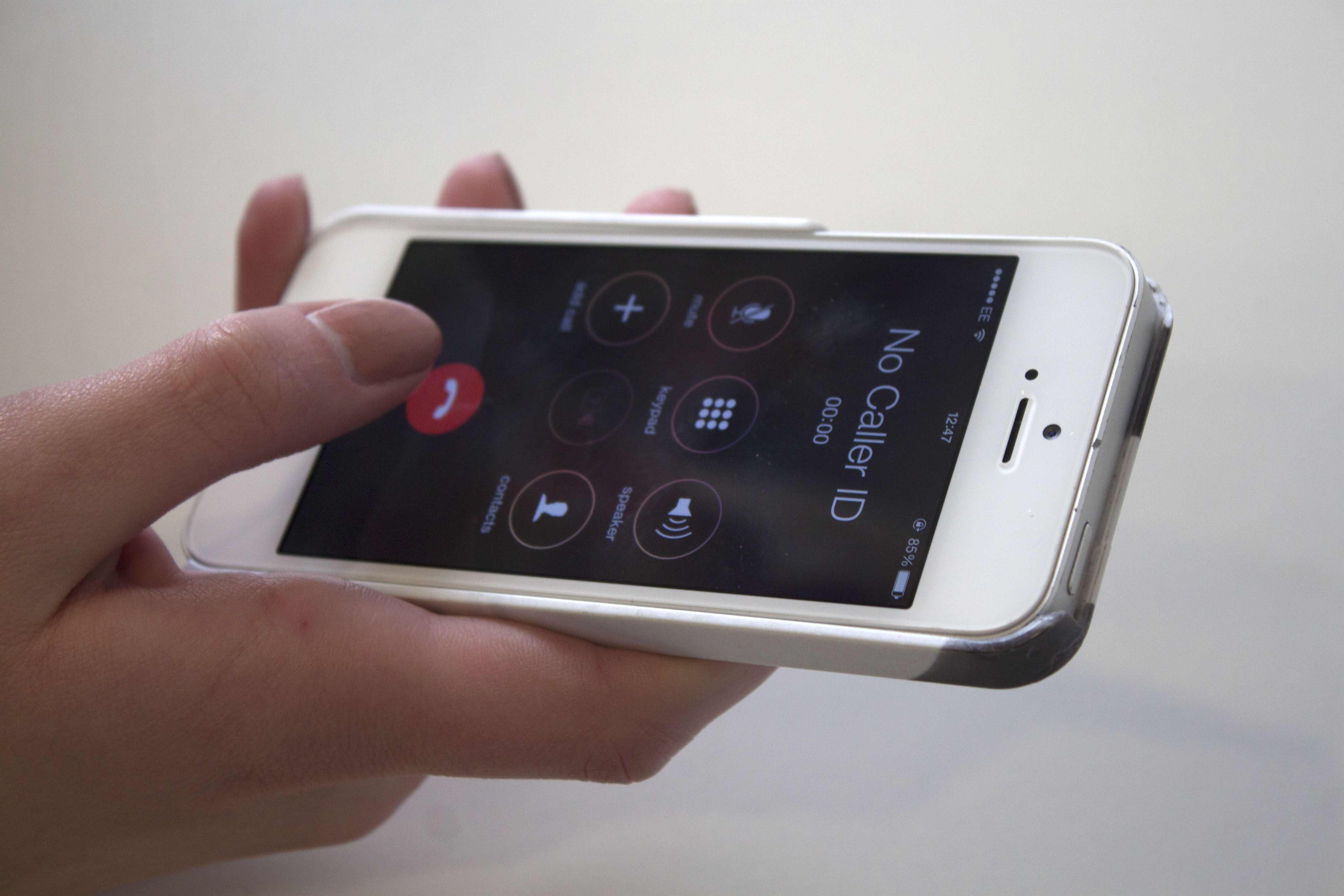 Hampshire crack down on motorists' mobile phone use