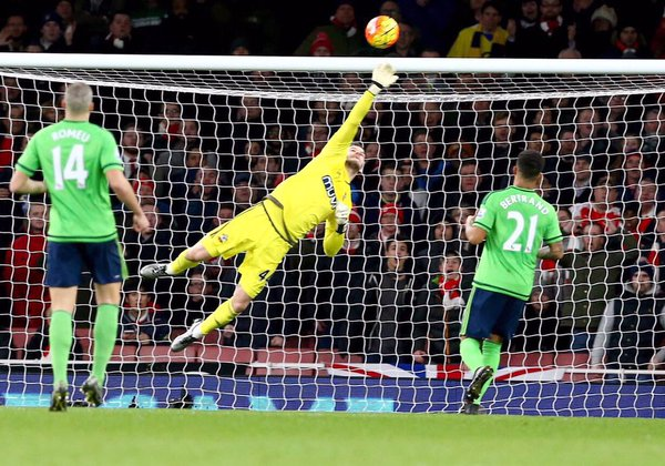 Saints hold Arsenal to stalemate