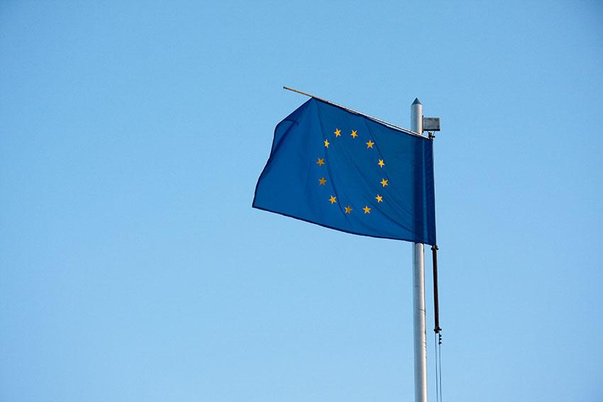 EU referendum campaigns begin