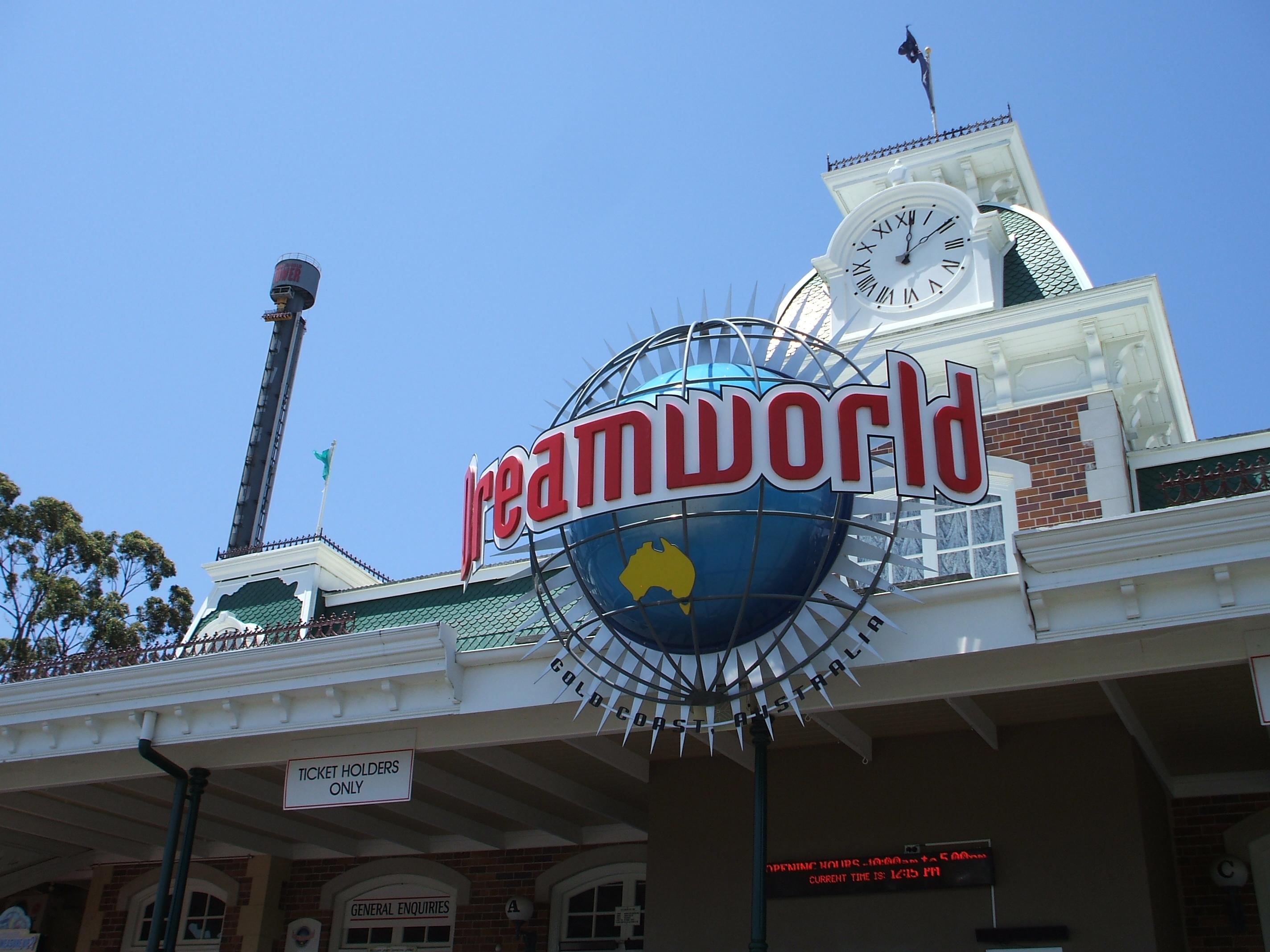 Dreamworld incident leaves four dead