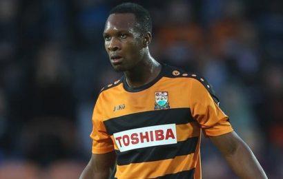 Eastleigh sign Barnet defender Gavin Hoyte on a free transfer.