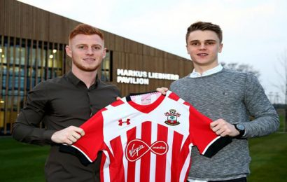 Southampton's Reed and Hesketh sign new deals