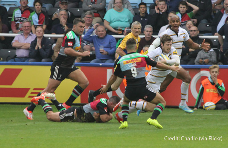 Elliot Daly on the break for his club, Wasps.