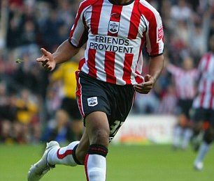Saints linked to bring Walcott back to Southampton