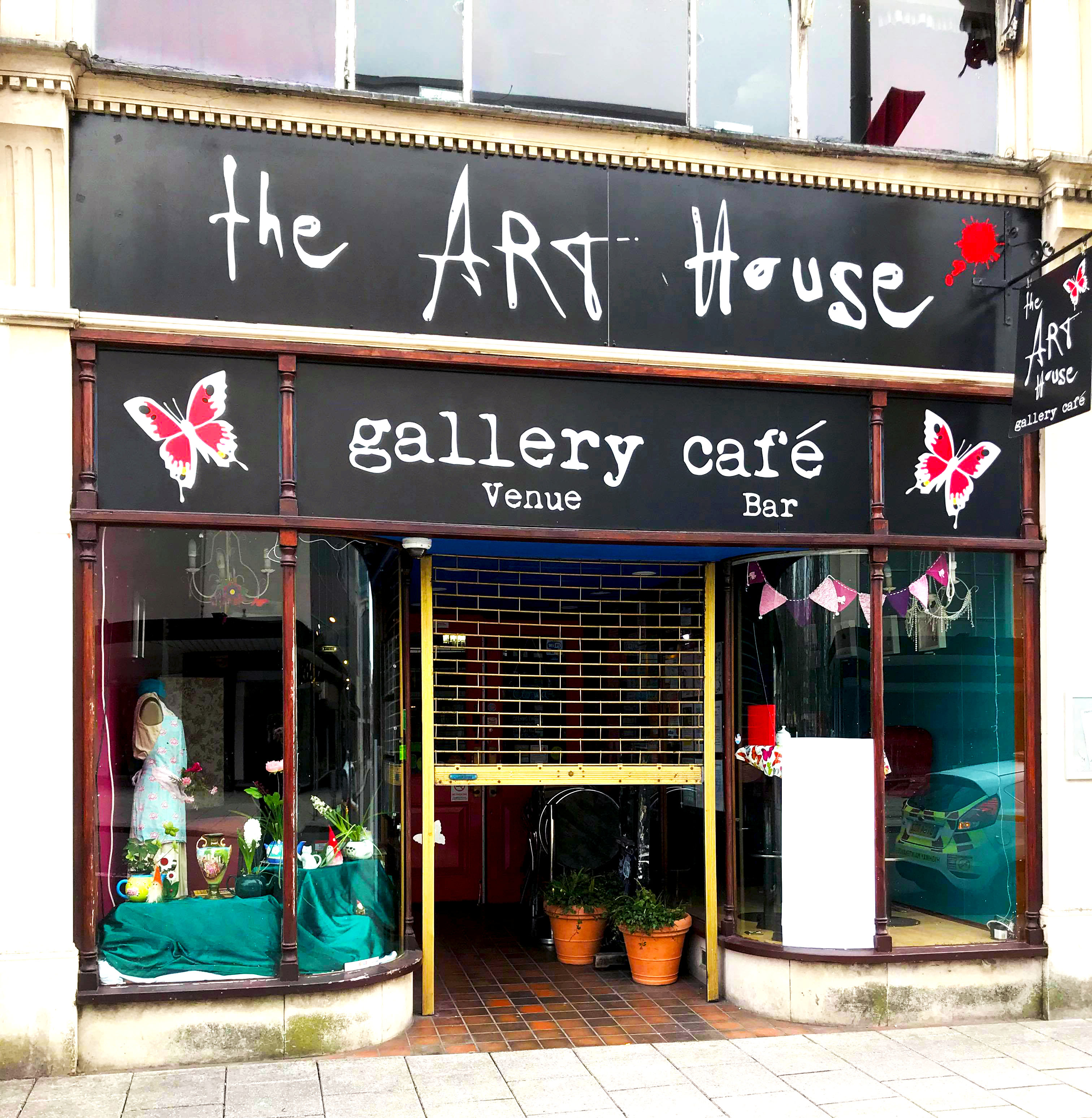 The venue for the poetry competition will be at the Art House Cafe.