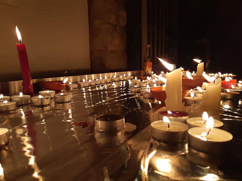 (Hindus lit up the candles to celebrate Diwali – festival of light. Picture taken at Singh Sabha Gurdwara tample)