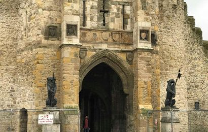 Southampton city council holding talks to revamp Bargate's historic shields