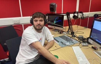 12pm Radio Bulletin